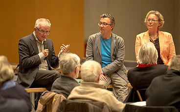 OB Fritz Kuhn und die Moderatoren von MEDIATOR bei der Diskussion des Memorandums im Forum Rosenstein. Foto: Leif Piechowski/Stadt Stuttgart